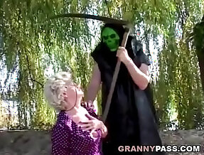 Granny Doesnt Want To Go To Hell