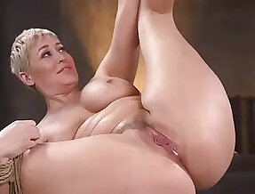 Curvaceous lady is bound naked and she is about in all directions be fucked