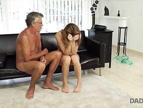DADDY4K. Sex with her boyfriend´s father after swimming / Analdin.com - Tube Porno.