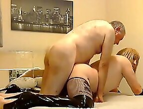 Mmmmm O u naughty daddy fuks a street whore