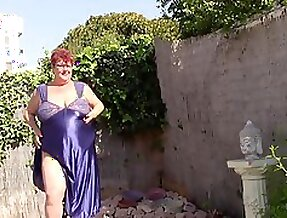 Big Tit Aunt Makes Video to Jerk Off